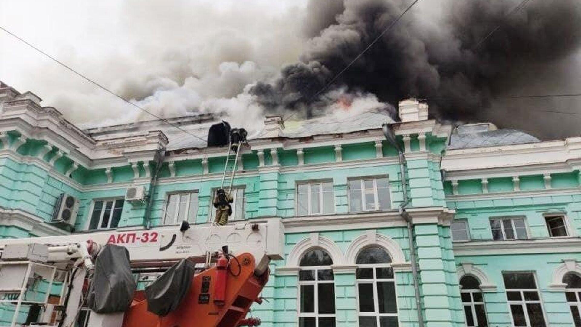 Пожар в кардиохирургическом центре в Благовещенске - РИА Новости, 1920, 11.06.2021