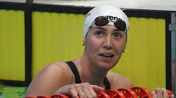 Анастасия Фесикова после финального заплыва на дистанции 100 метров на спине среди женщин на чемпионате России по плаванию в Казани.