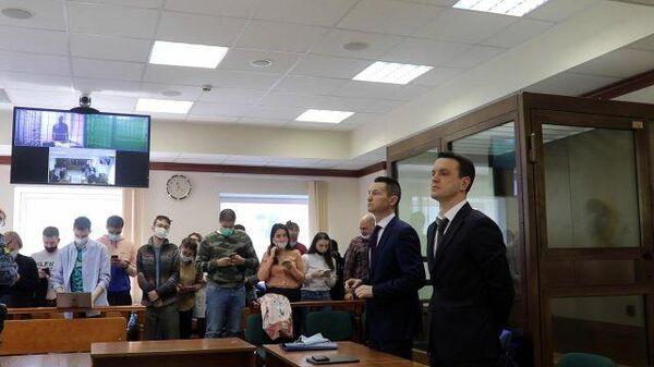 Суд оставил под арестом бывшего губернатора Белозерцева