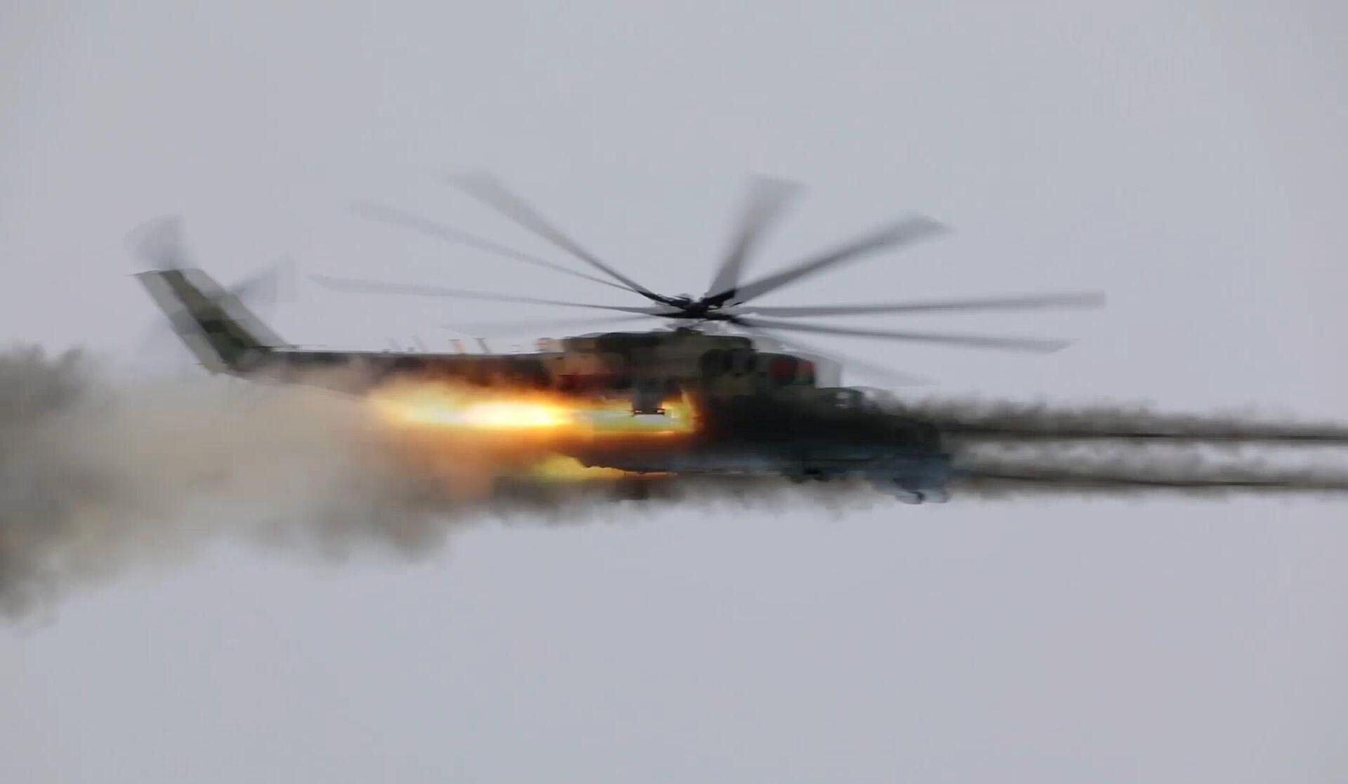 Ударный вертолёт Ми-24 во время контрольной проверки боеготовности ВКС России - РИА Новости, 1920, 26.04.2021