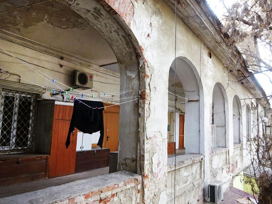 Армянское подворье. Галереи