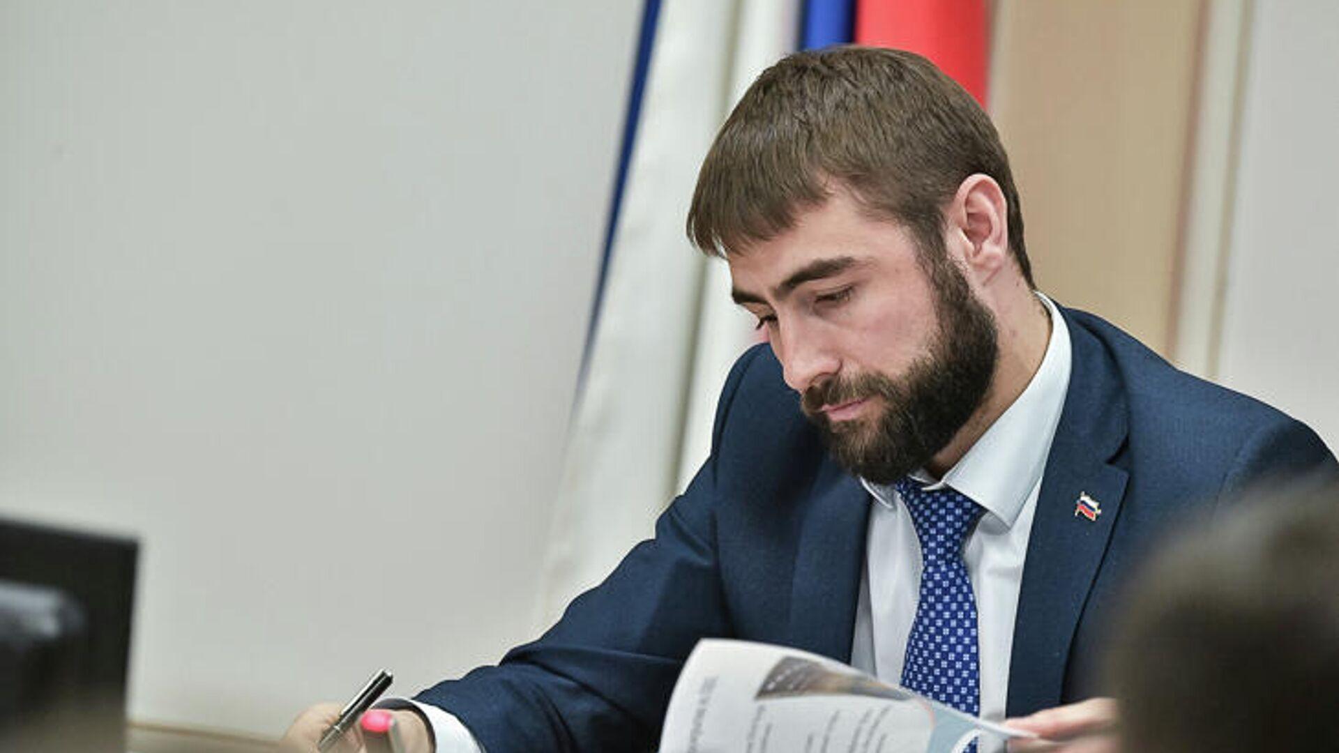 Суд дал четыре года модели, укравшей 22 миллиона из сейфа депутата