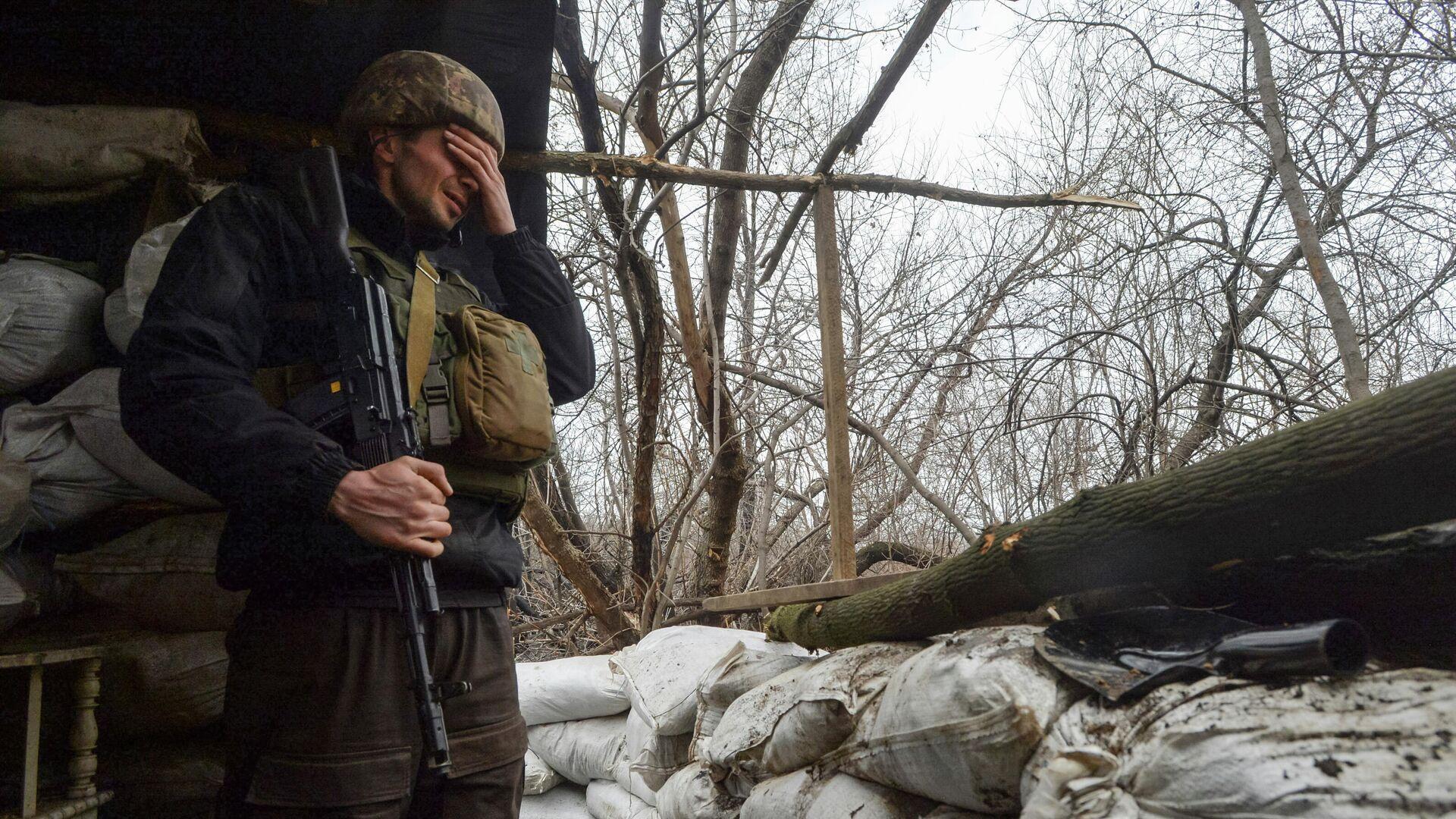 Украинский военный в Луганской области - РИА Новости, 1920, 08.04.2021