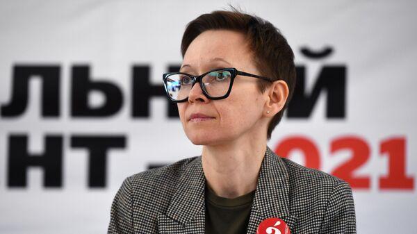 Писательница Гузель Яхина во время ежегодной акции по проверке грамотности Тотальный диктант-2021 в Новосибирском государственном университете