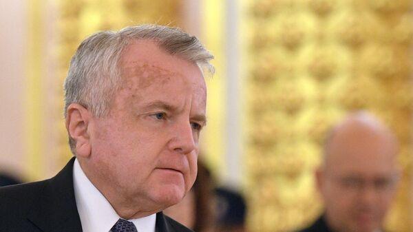 Чрезвычайный и полномочный посол США Джон Джозеф
