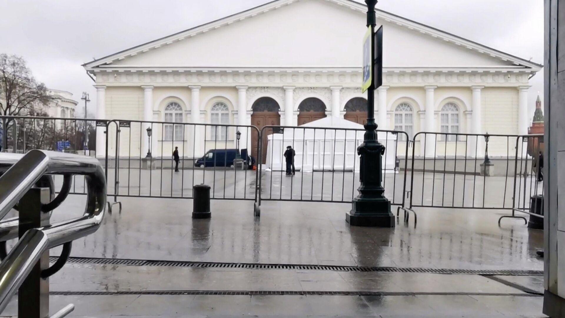 """Зал """"Манежа"""" прошел санитарную обработку перед посланием Путина"""