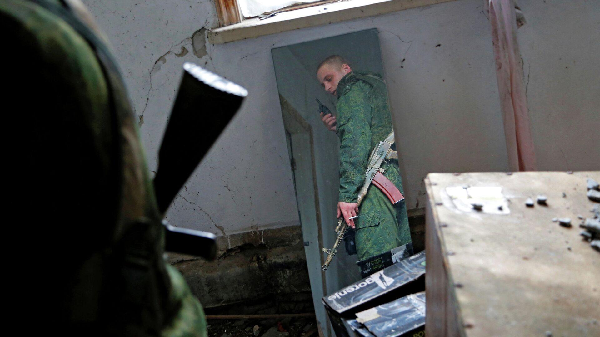 ВСУ разместили технику в жилом районе в Донбассе, заявили в ЛНР