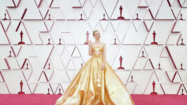 Кэри Маллиган на красной ковровой дорожке церемонии вручения Оскара
