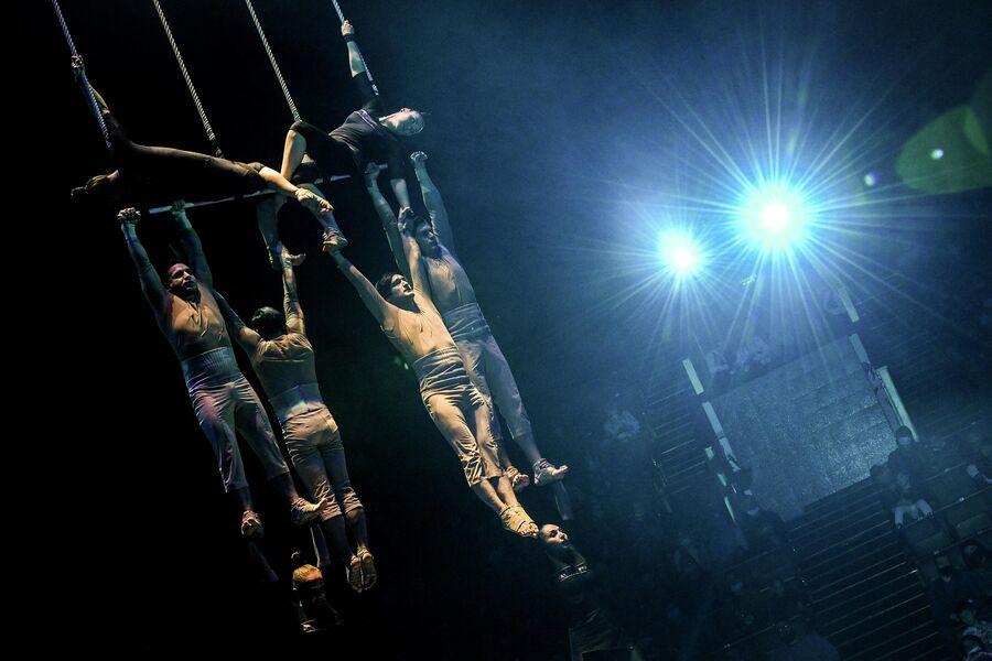 Спектакль И100РИЯ в Большом Московском цирке