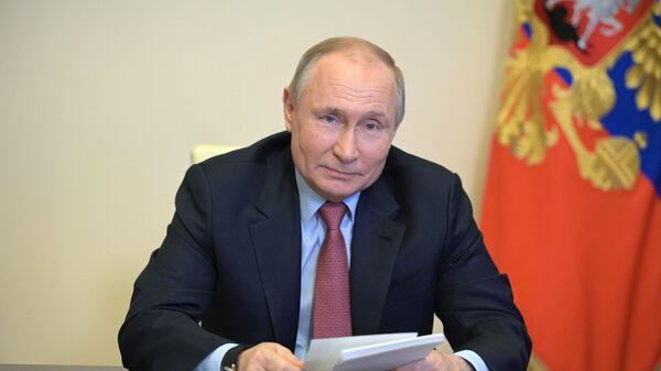 Путин поздравил криптографов с профессиональным праздником