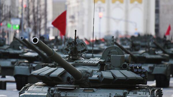 Танк Т-72Б3 на репетиции парада к 76-й годовщине Победы в Великой Отечественной войне