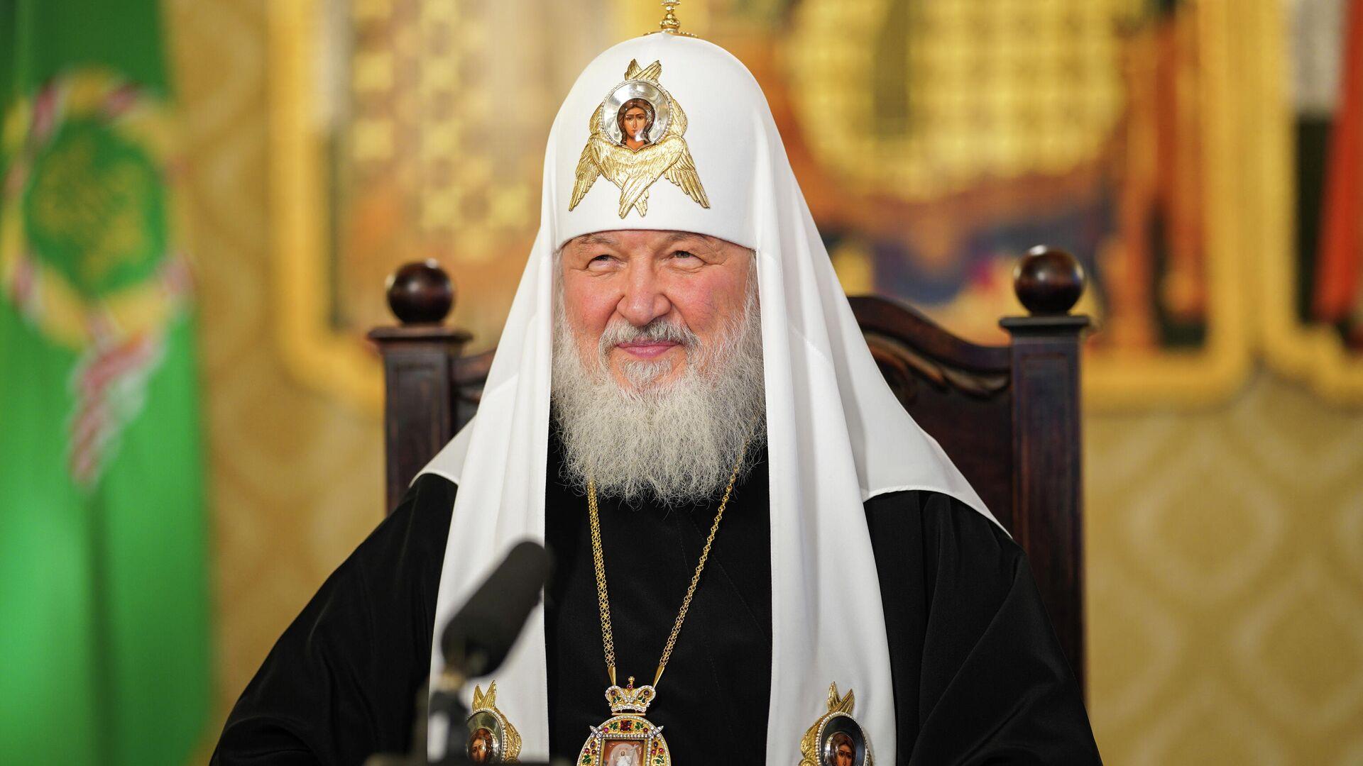 Патриарх Кирилл призвал не прекращать посещать храмы из-за COVID-19