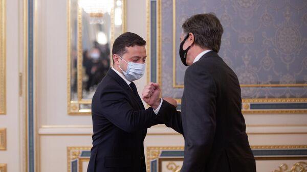 Президент Украины Владимир Зеленский и Государственный секретарь Соединенных Штатов Америки Энтони Блинкен во время встречи в Киеве