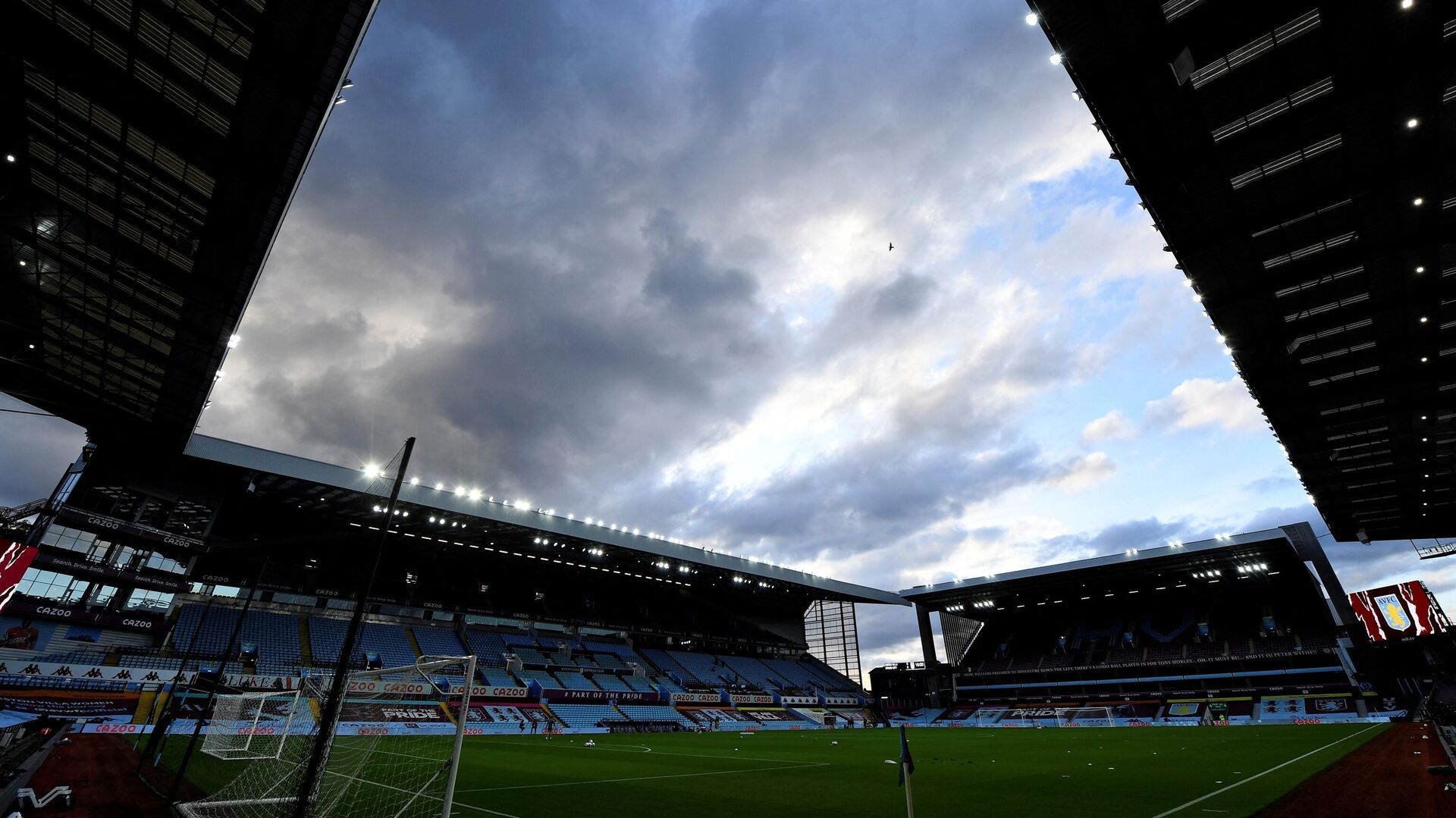 Villa Park stadium is pictured in Birmingham, central England on October 1, 2020, ahead of the English League Cup fourth round football match between Aston Villa and Stoke. (Photo by PETER POWELL / POOL / AFP) / RESTRICTED TO EDITORIAL USE. No use with unauthorized audio, video, data, fixture lists, club/league logos or 'live' services. Online in-match use limited to 120 images. An additional 40 images may be used in extra time. No video emulation. Social media in-match use limited to 120 images. An additional 40 images may be used in extra time. No use in betting publications, games or single club/league/player publications. /  - РИА Новости, 1920, 06.05.2021