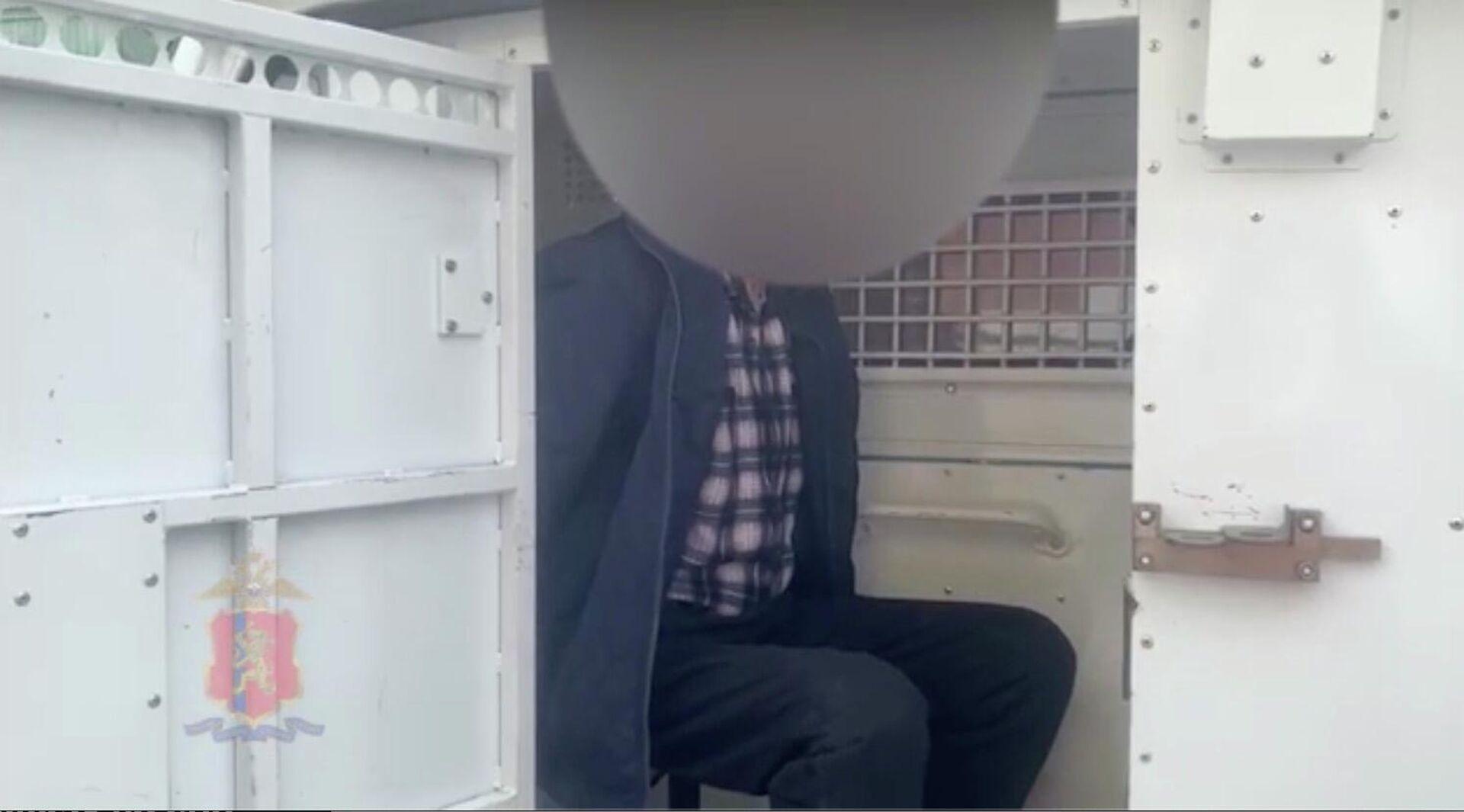 В Красноярске оперативники уголовного розыска задержали подозреваемого в совершении убийства двух человек. - РИА Новости, 1920, 07.05.2021