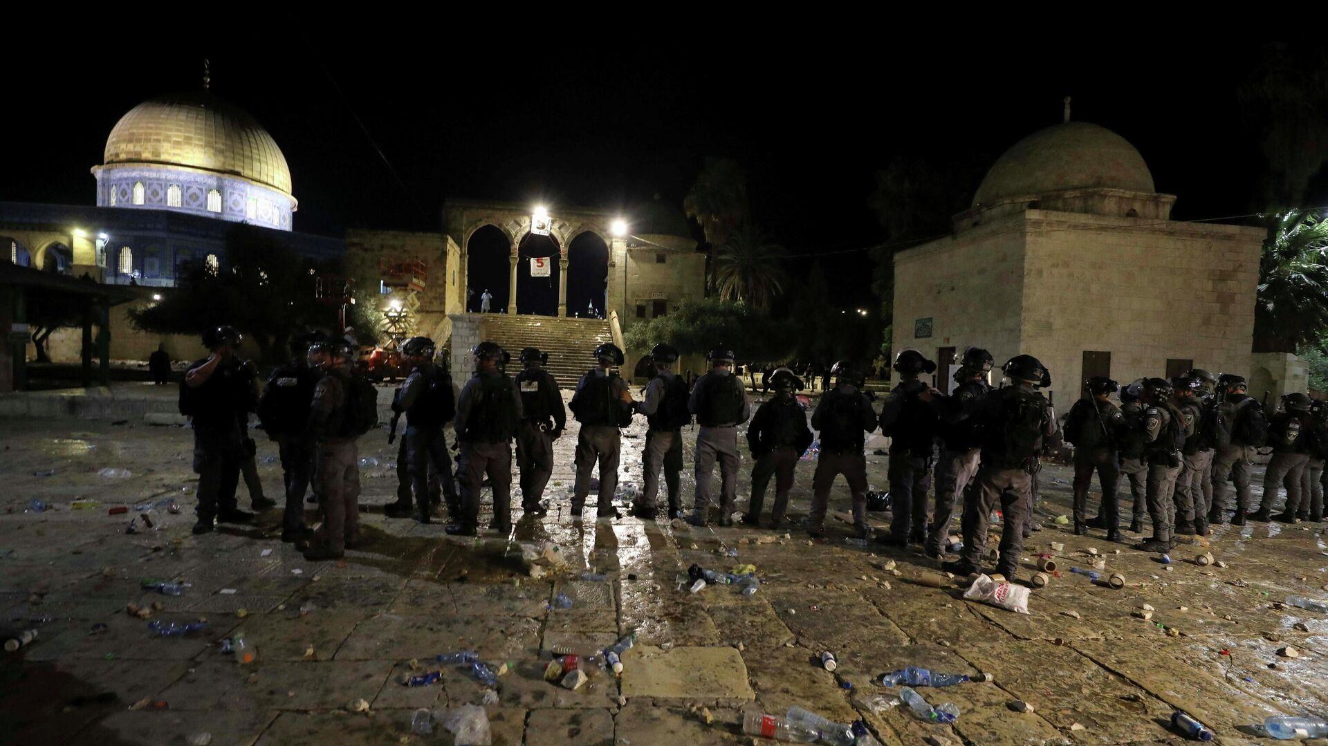 Полиция на месте столкновений возле мечети Аль-Акса в Иерусалиме - РИА Новости, 1920, 10.05.2021