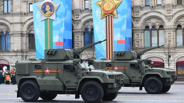 Бронеавтомобили Тайфун-ВДВ на военном параде в честь 76-й годовщины Победы в Великой Отечественной войне в Москве