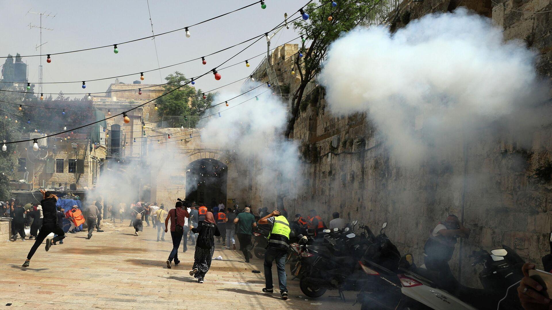 Столкновения возле мечети Аль-Акса в Иерусалиме - РИА Новости, 1920, 10.05.2021