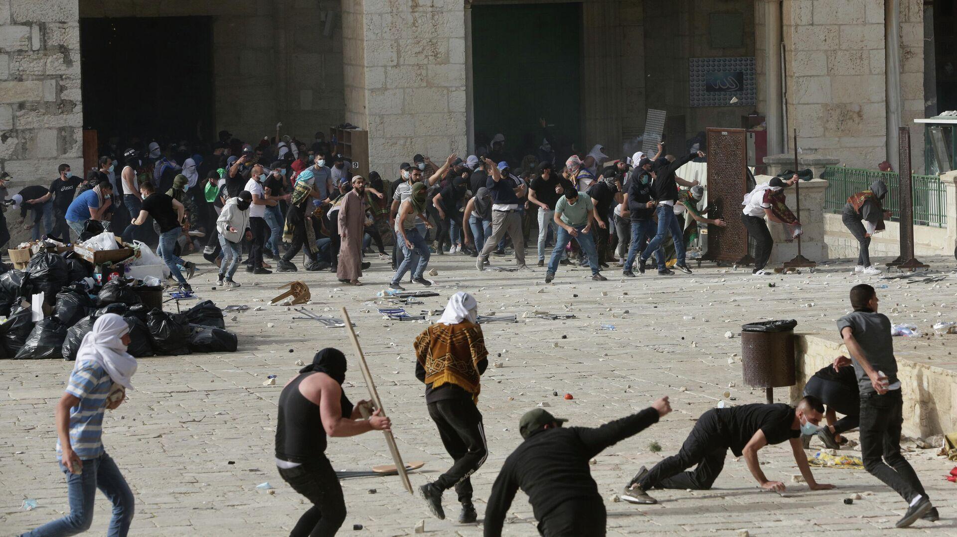 Столкновения возле мечети Аль-Акса в Иерусалиме, Израиль. 10 мая 2021 - РИА Новости, 1920, 12.05.2021