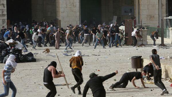 Столкновения возле мечети Аль-Акса в Иерусалиме, Израиль. 10 мая 2021