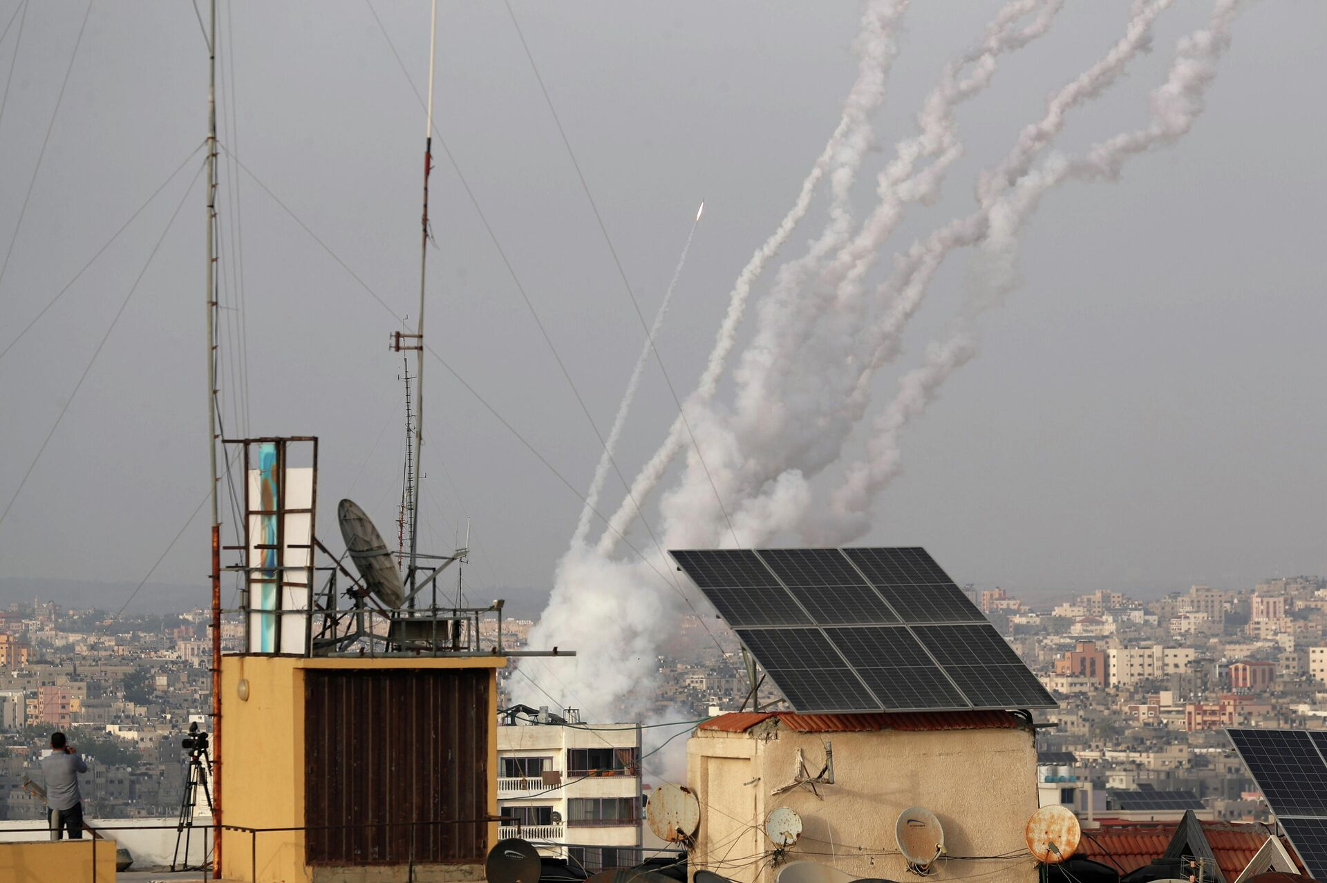 Израиль заявил о пуске около 150 ракет из сектора Газа