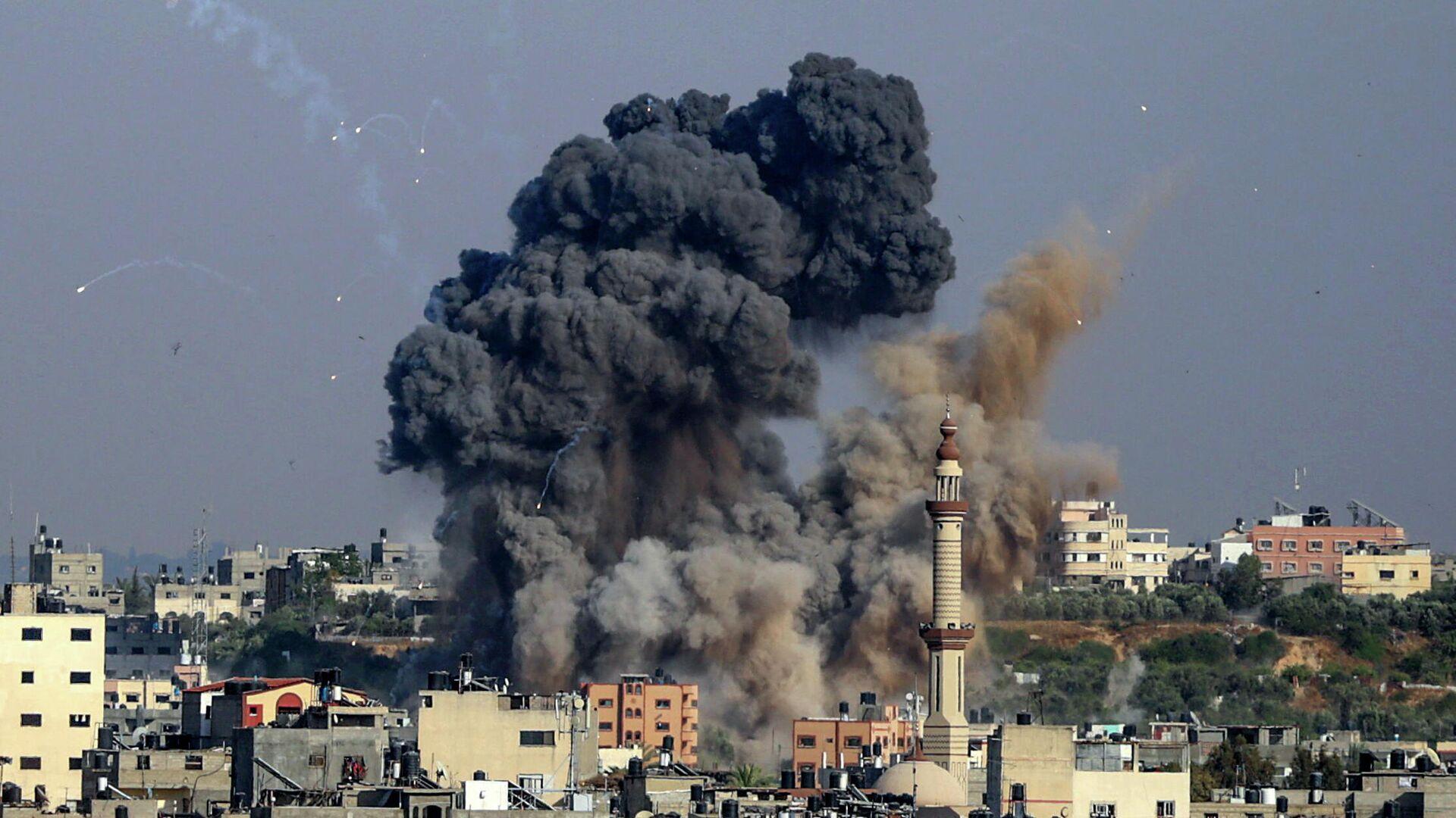 Авиаудар, нанесенный Израилем по объекту движения ХАМАС в секторе Газа. 11 мая 2021  - РИА Новости, 1920, 12.05.2021