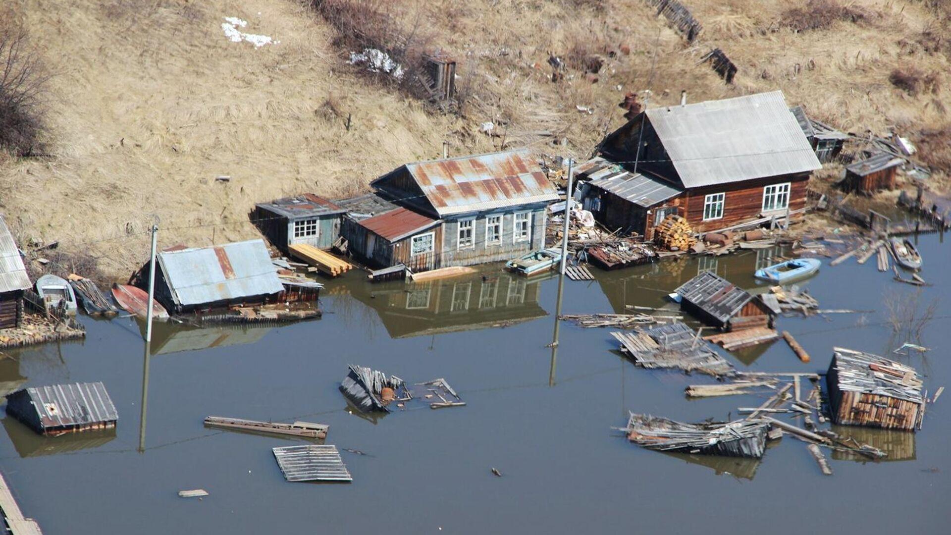 Вид на подтопленные дома в Николаевском районе Хабаровского края - РИА Новости, 1920, 29.06.2021