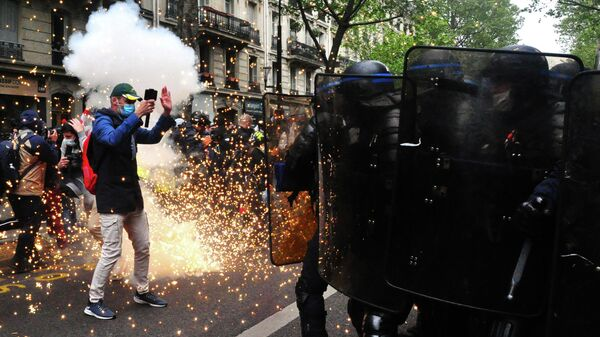 Беспорядки на первомайской демонстрации в Париже
