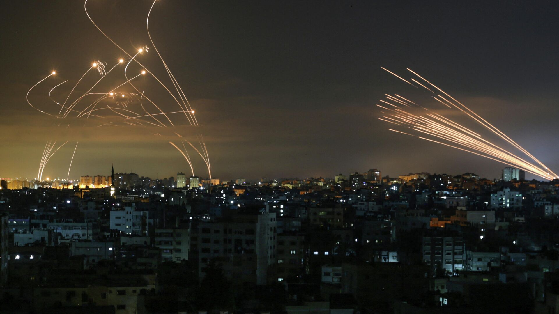 Ракетный удар с территории сектора Газа по Израилю - РИА Новости, 1920, 15.05.2021