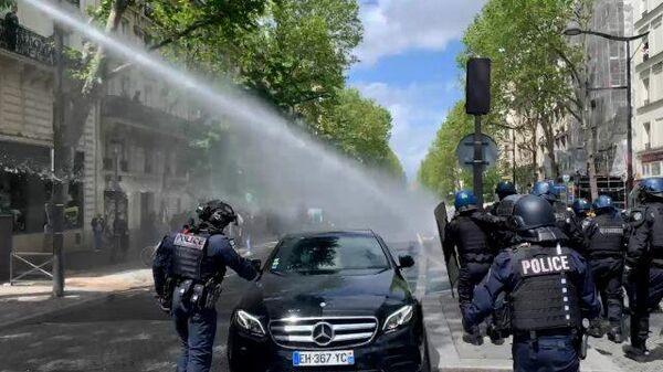 Водометы и слезоточивый газ: акция в поддержку Палестины в Париже
