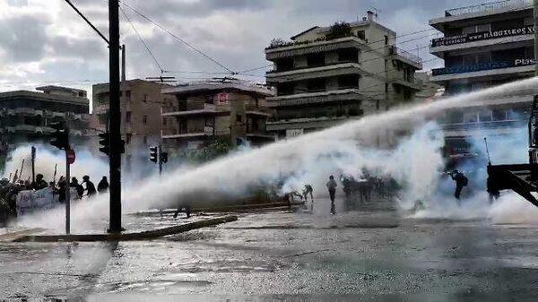 В Афинах на акции в поддержку Палестины применили газ и водометы