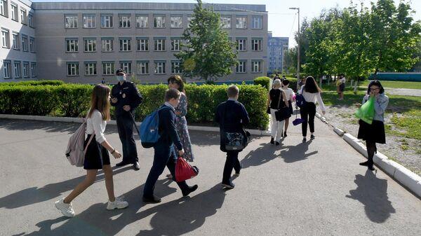 Возвращение к занятиям в других школах учеников гимназии №175 в Казани