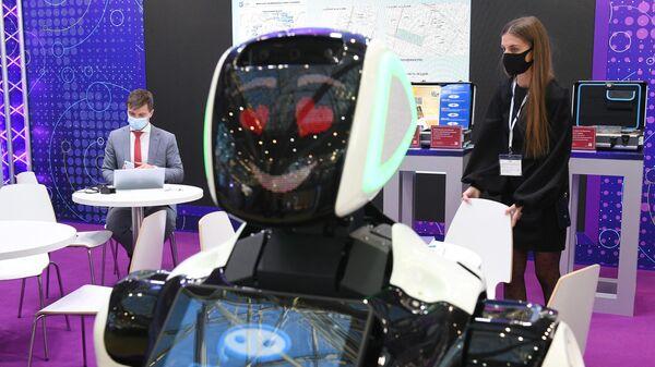 Робот компании Промобот представлен на выставке ВУЗПРОМЭКСПО в Москве