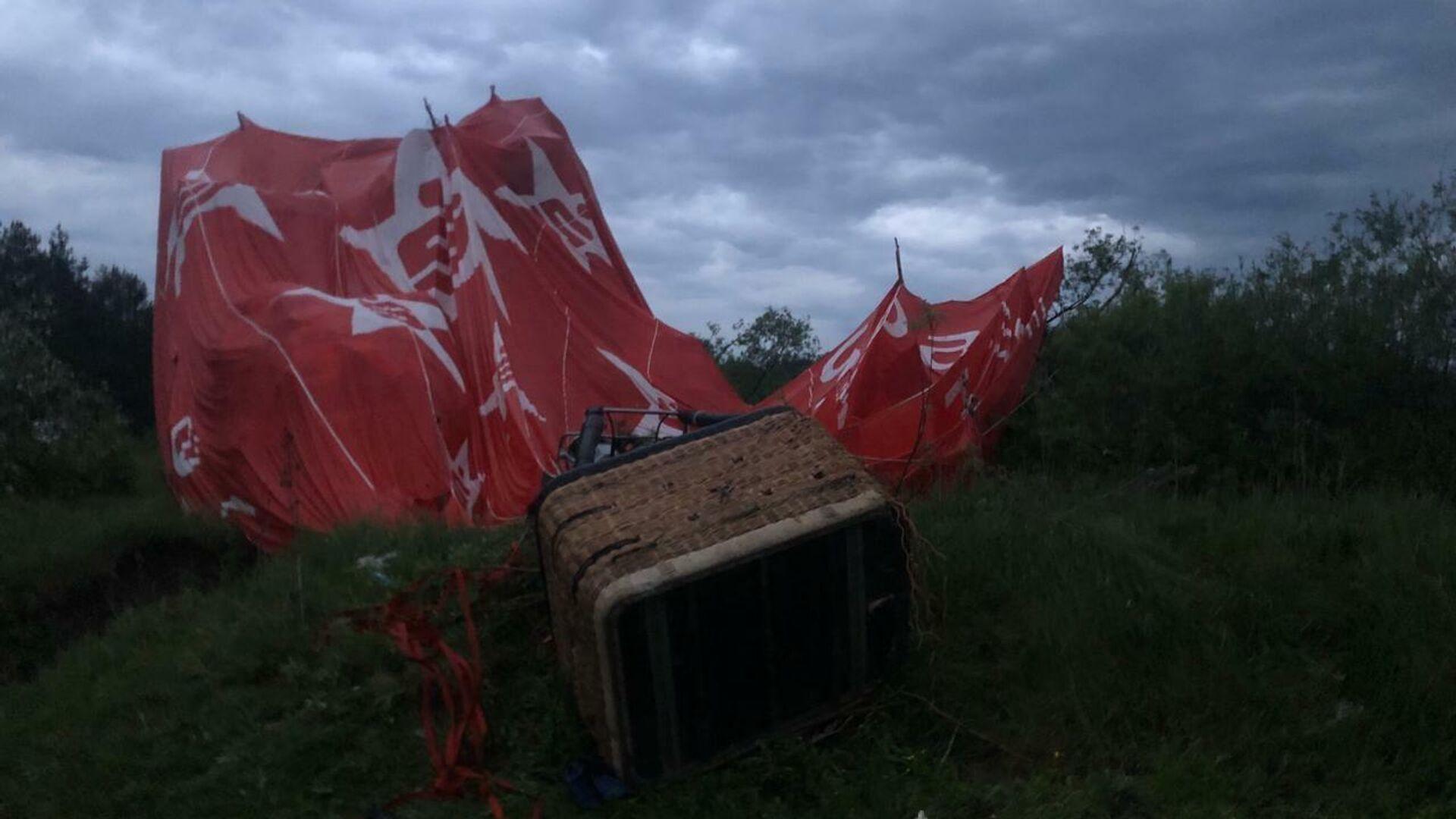 Крушение воздушного шара во время фестиваля воздушных шаров в Хмельницкой области Украины - РИА Новости, 1920, 23.05.2021