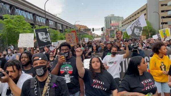 Годовщина протестов: в США вспоминают афроамериканца Джорджа Флойда
