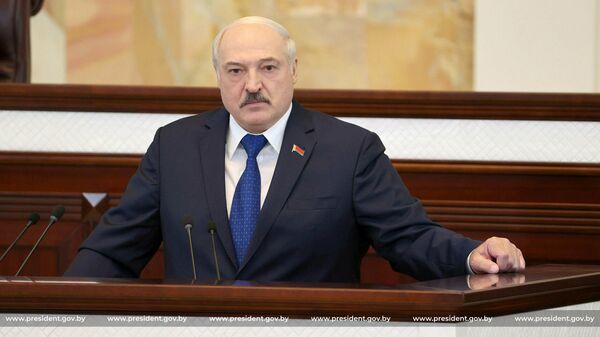 Президент Белоруссии Александр Лукашенко во время выступления в парламенте