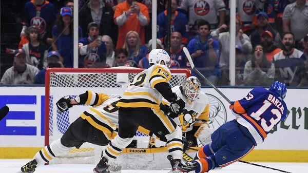 Игровой момент матча НХЛ Нью-Йорк Айлендерс - Питтсбург