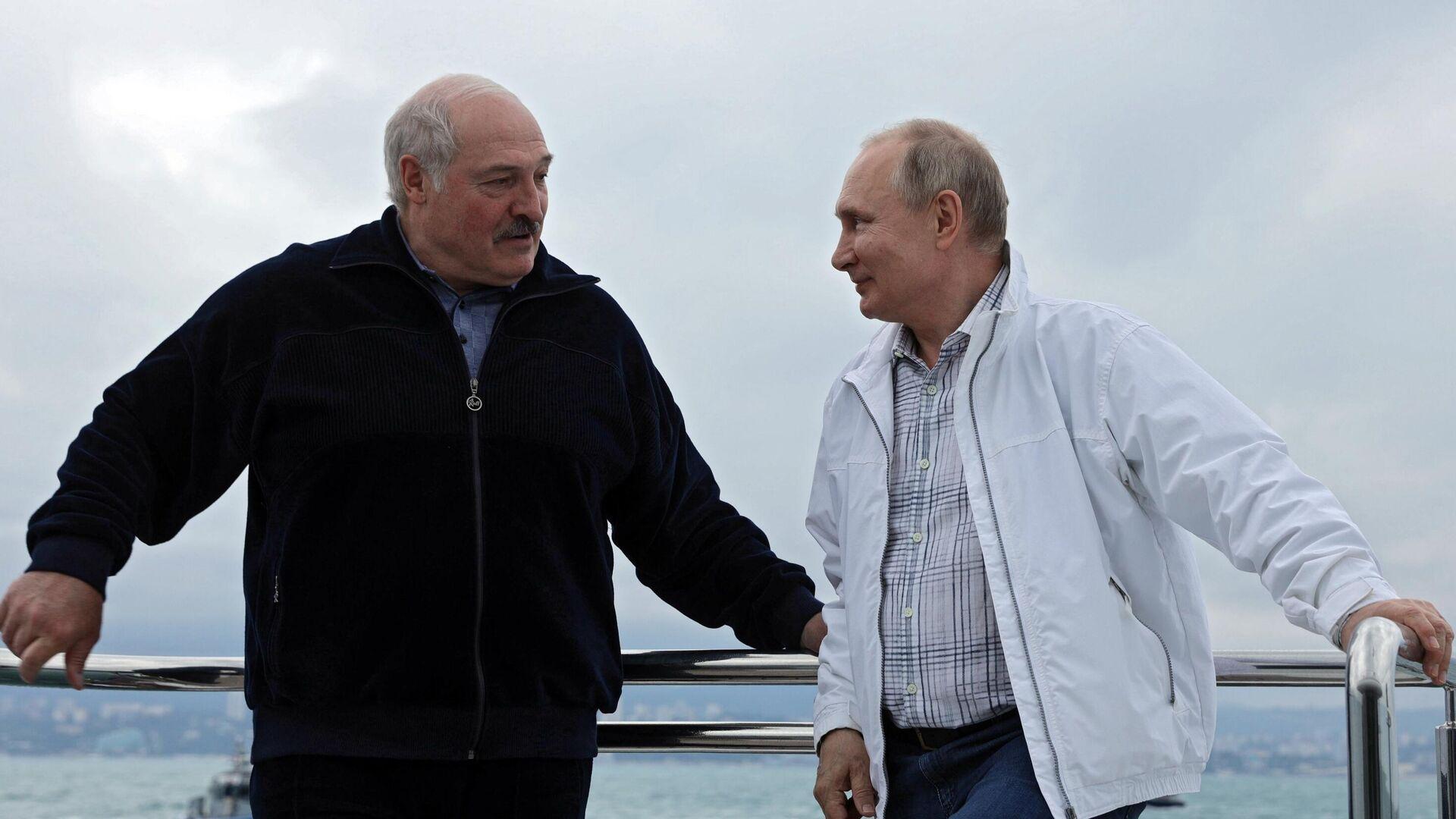 Ургант пошутил про искупавшегося Лукашенко