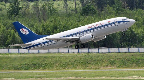 Самолет белорусской авиакомпании Белавиа в национальном аэропорту Минск