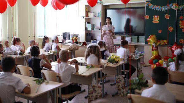 Школьники и студенты начнут новый учебный год в очном формате