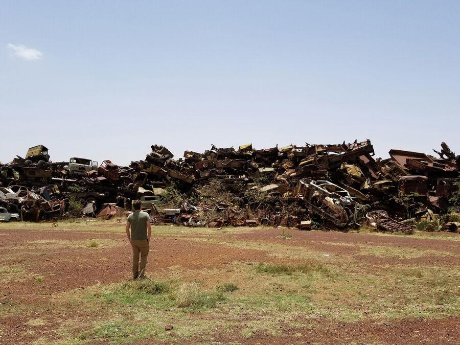 Эритрия, кладбище техники