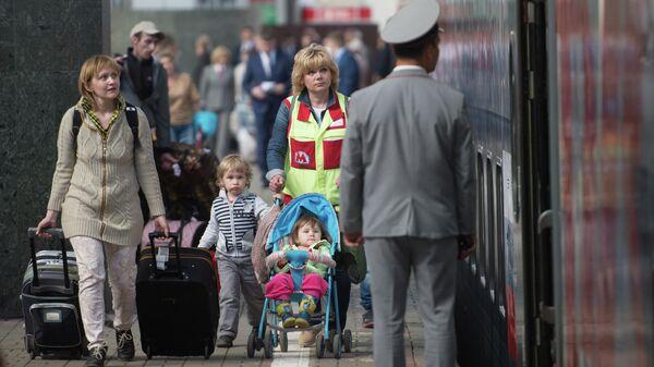 Пассажиры на перроне Казанского вокзала