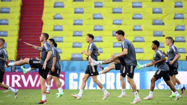 Футболисты сборной Германии на тренировке