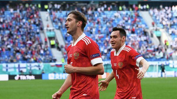 Алексей Миранчук и Вячеслав Караваев (слева направо)