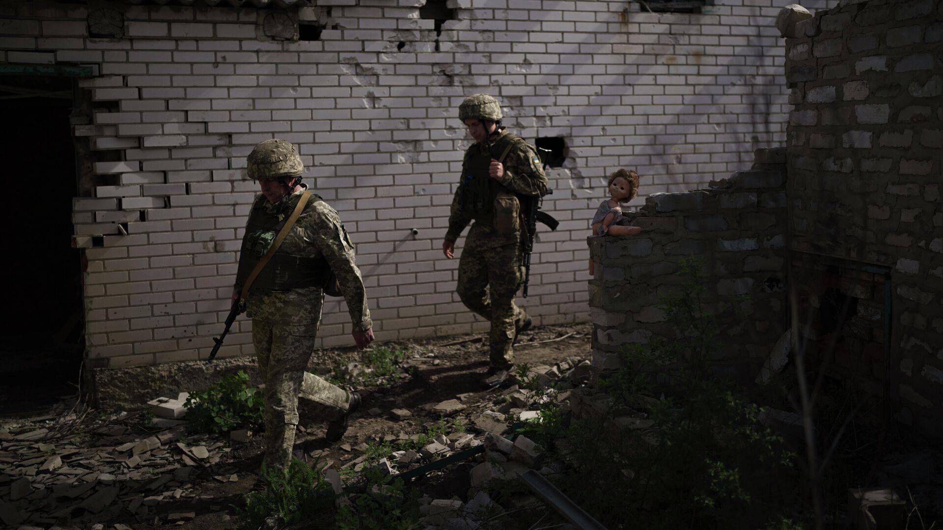 Украинские военные на линии соприкосновения возле Донецка - РИА Новости, 1920, 02.08.2021