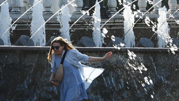 Диетолог рассказала, сколько воды пить в тридцатиградусную жару
