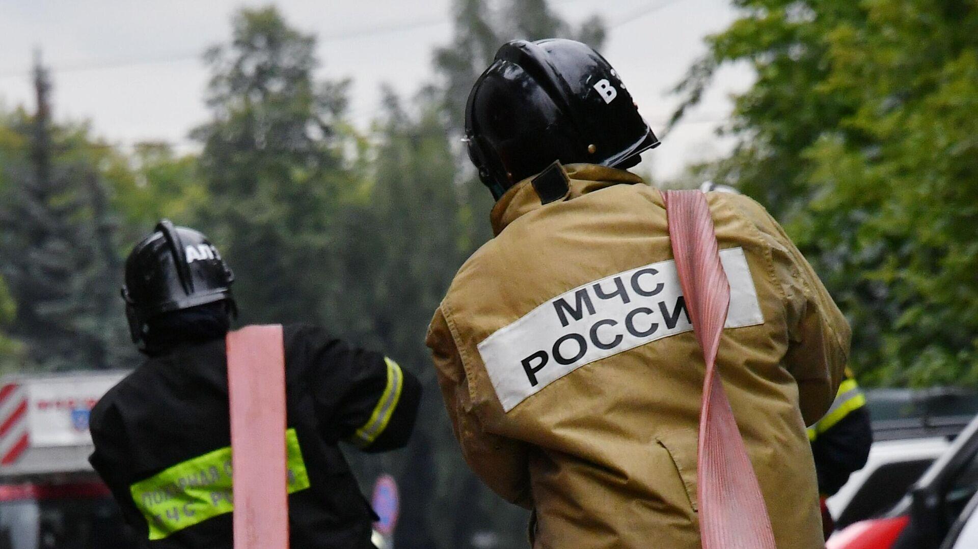В Сочи загорелся жилой дом