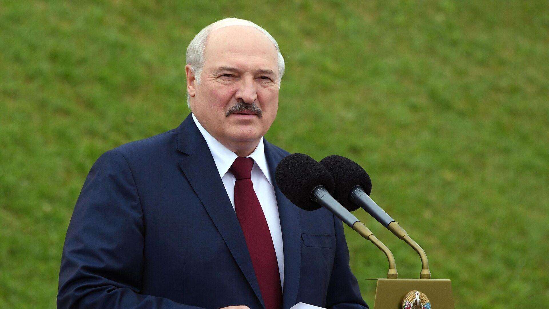 Президент Белоруссии Александр Лукашенко выступает на торжественном митинге, посвященном Дню независимости Белоруссии - РИА Новости, 1920, 21.07.2021