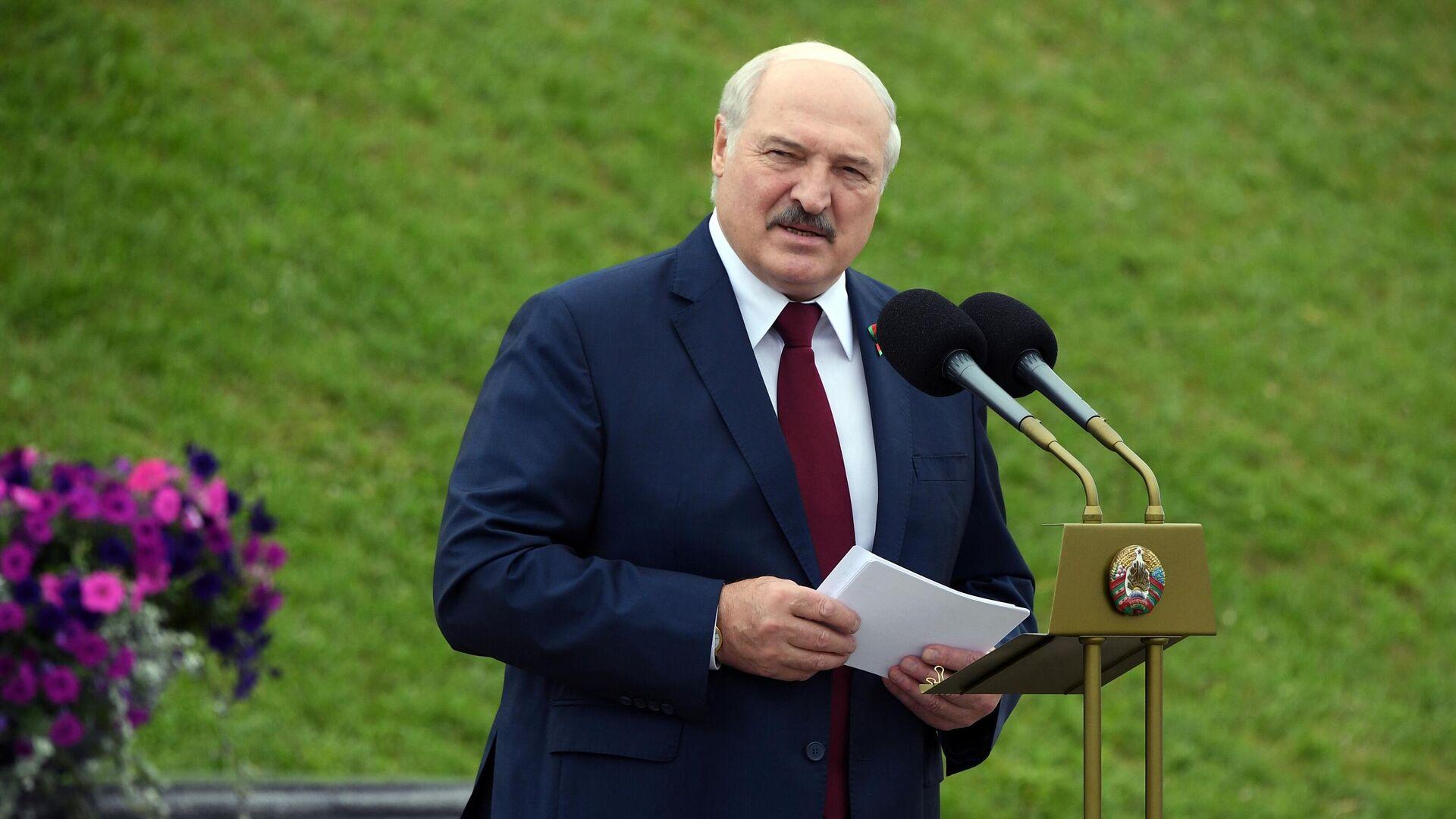 Президент Белоруссии Александр Лукашенко выступает на торжественном митинге, посвященном Дню независимости Белоруссии - РИА Новости, 1920, 22.07.2021