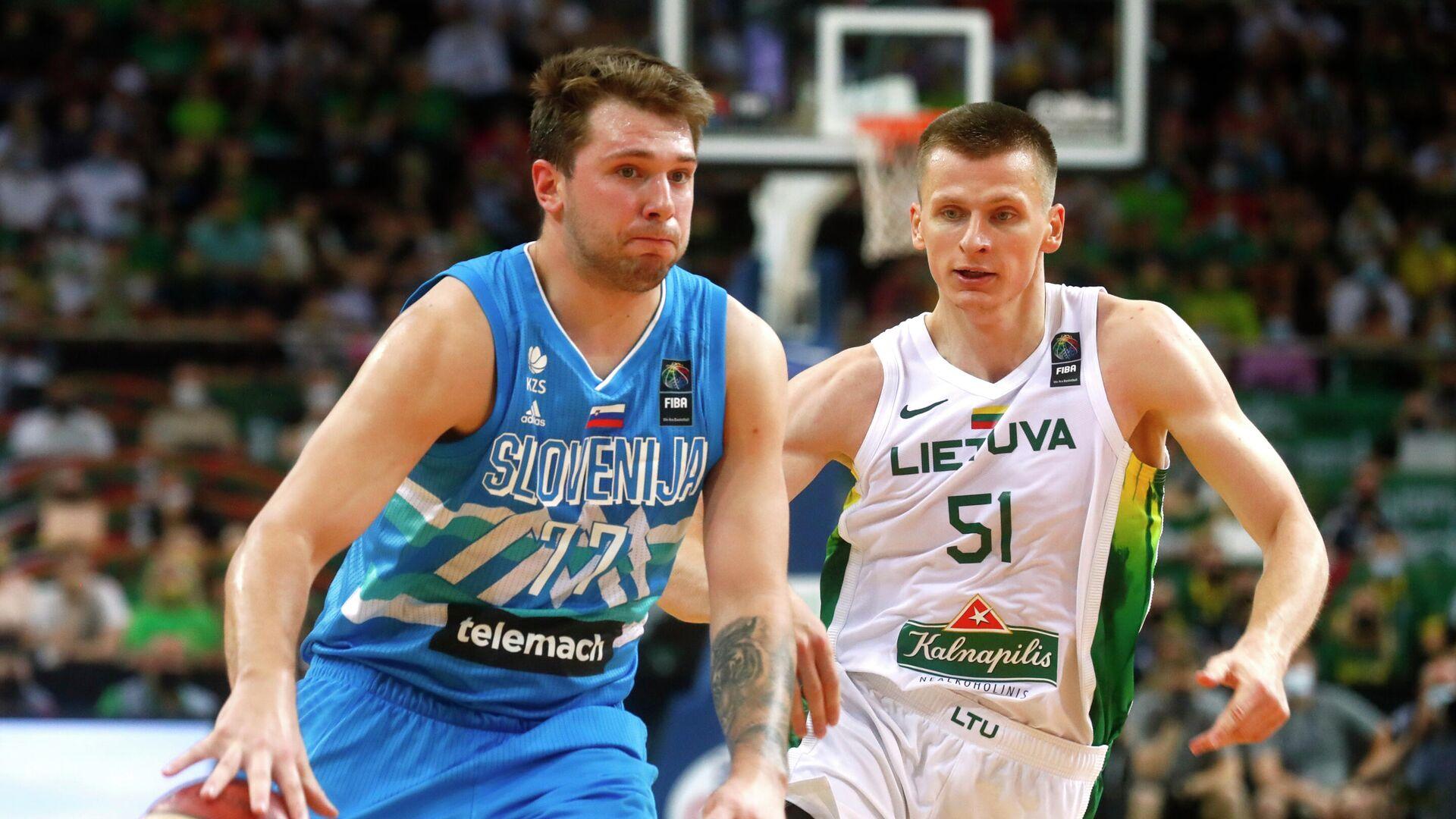 Лука Дончич (слева) - РИА Новости, 1920, 29.07.2021